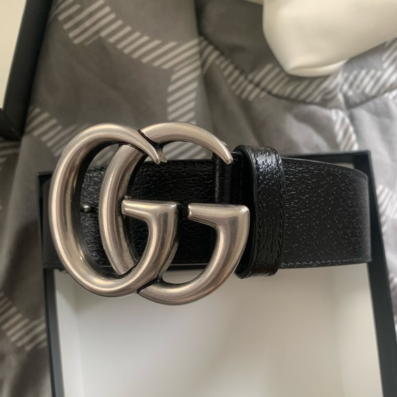 Authentic GUCCI belt size 75-30